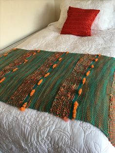 Piecera hecha a mano Lana, Hand Weaving, Projects To Try, Couture, Cushions, Textiles, Blanket, Crafts, Irene
