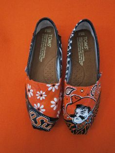 Hand Painted Oklahoma State Shoes.