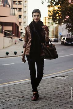La Coquette Miseráble Leather Jacket // Fur Scarf // Brown // Camel // Gloves // Winter Outfit