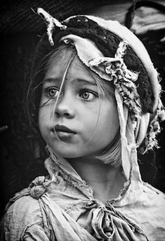 Child portrait/// black and white photography Foto Portrait, Portrait Photography, Photography Studios, Free Photography, Photography Backdrops, Color Photography, Macro Photography, Wildlife Photography, Children Photography