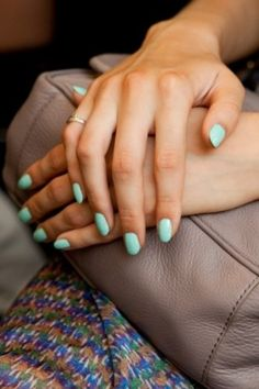 Nails - How To Revive Your Nails After Gel Mani Mint nail polish! I'm obsessed with the mint blue and mint green colors right nowMint nail polish! I'm obsessed with the mint blue and mint green colors right now Mint Nail Polish, Mint Nails, Green Nails, Polish Nails, Red Nail, Pastel Nails, Shellac Nails, Manicure And Pedicure, Gel Manicures