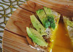 Egg-in-basket-avocado1