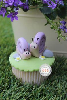 Fondant Snail Cupcake Topper http://ladyberrycupcakes.co.uk