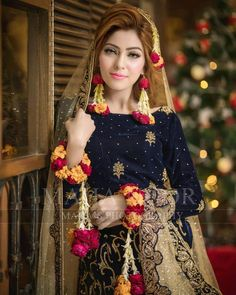 The latest wedding dresses at Bridal Fashion Week – My hair and beauty Bridal Mehndi Dresses, Pakistani Bridal Makeup, Pakistani Wedding Outfits, Bridal Dress Design, Bridal Outfits, Bridal Lehenga, Indian Bridal, Mayon Dresses, Bridal Photoshoot