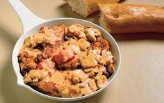 Savner du en nem opskrift, hvor resultatet sender tankerne mod middelhavet? Kyllingebryst i pande er velsmagende, lækker, nem og sydlandsk.