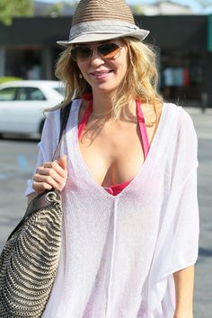 Beverly Hills Housewife Brandi Glanville lunches in her bikini