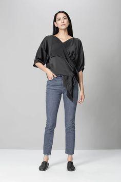 Sofia Shirt  XS-S Core Wardrobe, Wardrobe Staples, Fashion Brands, Luxury Fashion, Sustainable Fashion, Upcycle, Draping, Dress Up, Normcore
