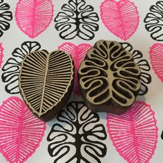 Clay Stamps, Hand Printed Fabric, Printing On Fabric, Book Crafts, Arts And Crafts, Homemade Stamps, Eraser Stamp, Illustrator, Stamp Carving