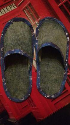 Pantuflas de jeans reciclados