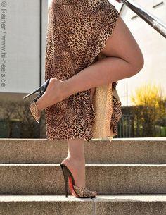 high heels – High Heels Daily Heels, stilettos and women's Shoes Hot Heels, Sexy Legs And Heels, Sexy High Heels, Talons Sexy, Actrices Sexy, Look Fashion, Womens Fashion, Fashion Heels, Designer High Heels
