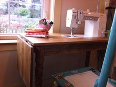 Custom Made Sewing Table - Quilting In The Rain . her husband made her this se. - Custom Made Sewing Table – Quilting In The Rain … her husband made her this sewing table … ve - Diy Sewing Table, Sewing Machine Tables, Sewing Diy, Sewing Machines, Sewing Ideas, Sewing Room Furniture, Sewing Rooms, Sewing Room Organization, Organizing