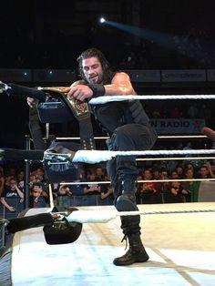 Roman Reigns Beautiful Joe, Gorgeous Men, Watch Wrestling, Wwe Roman Reigns, My Superman, Italian Men, Total Divas, Now And Forever, Wwe Wrestlers