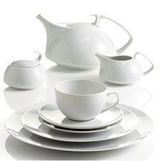 Rosenthal / TAC 02 White- One day I will complete my set. Fine China Dinnerware, White Dinnerware, Dinnerware Sets, Walter Gropius, Coffee Theme, Tea Pot Set, Modern Table, Modern Vases, Tea Service