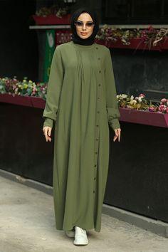 Batik Fashion, Abaya Fashion, Fashion Dresses, Stylish Hijab, Stylish Dresses, Nice Dresses, Islamic Fashion, Muslim Fashion, Abaya Designs Latest