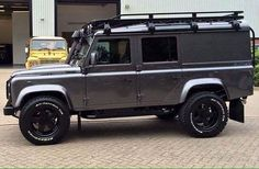 Land Rover Defender 110 Td4 CSW hard top customized Twisted.