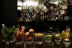 Curio Parlor - 16 rue des Bernardins - - new neighbour Bar None, Paris Bars, Paris Secret, Cocktails Bar, New Neighbors, Time Out, Japan, Normand, Gauche
