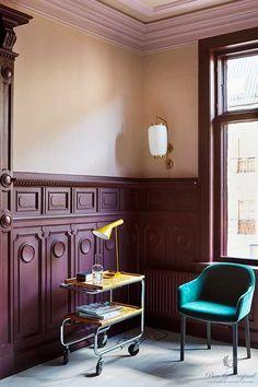 Top Useful Ideas: Wainscoting Panels Basement Stairs wainscoting bathroom wallpaper.Wood Wainscoting Tips wainscoting mudroom window.Types Of Wainscoting Traditional Bathroom. Picture Frame Wainscoting, Black Wainscoting, Painted Wainscoting, Dining Room Wainscoting, Wainscoting Styles, Wainscoting Panels, Picture Frame Molding, Painted Floors, Oslo