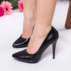 Pantofi stiletto negri din piele ecologica. Inaltimea tocului este de 11 cm Pumps, Heels, Mai, Fashion, Heel, Moda, Fashion Styles, Pumps Heels, Pump Shoes
