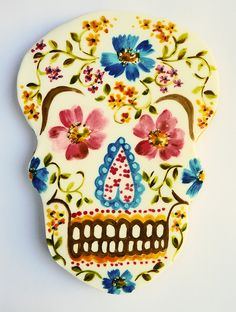 Skull by Nevie-PieCakes, via Flickr | hand painted cookie!
