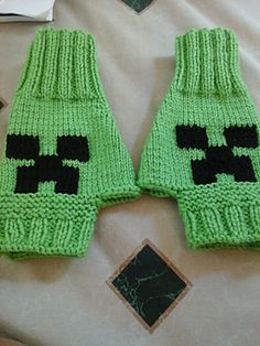 Minecraft_gloves_small2