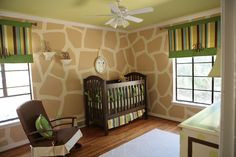 Love this cute giraffe nursery from Linde Browning Design . The hand painted giraffe wall looks so cute and I love the other colors they u. Giraffe Nursery, Giraffe Print, Safari Nursery, Baby Giraffes, Giraffe Pattern, Animal Nursery, Girl Nursery, Baby Boys, Nursery Themes