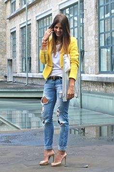 Such a versatile outfit, you could dress it down with flats or even sandals.
