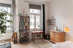 Gemütliches WG Zimmer In Einer Altbauwohnung In #Köln. Typisch Hohe Decken  Und Große