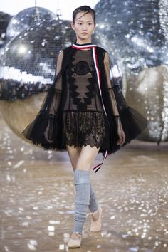 See the complete Moncler Gamme Rouge Spring 2018 Ready-to-Wear  collection.