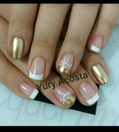 Uñas de sirena Glam Nails, Nude Nails, Diy Nails, Glitter Nails, Beauty Nails, Nail Polish Designs, Nail Art Designs, Nails Today, Short Nails Art