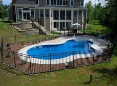 Right here we take a look at 27 creative swimming pool fence concepts for household homes, sharing some cutting-edge, enjoyable, as well as surprising layouts. Inground Pool Designs, Small Inground Pool, Fence Around Pool, Pool Fence, Pool Decks, Pool Spa, My Pool, Backyard Pool Landscaping, Backyard Pool Designs