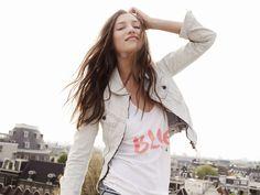 love everything about this: braids, jean jacket, silkscreen tee (via scotch&soda)