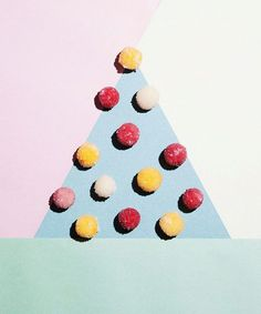 Konditor Sverre Sætre lager juleknask. - DN.no Marshmallow, Kids Rugs, Baking, Cards, Recipes, Decor, Pastry Chef, Decoration, Kid Friendly Rugs