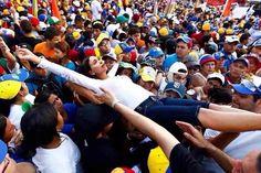 """@DrodriguezVen : RT @dcabellor: #ANMienteYPoneLaComica """"Abandono de cargo"""" ahora si los agarró la locura el acuerdo de AN es como los dirigentes opositores Pura Paja!!"""