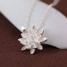 Plata de Ley 925 Collares y Colgantes Para Las Mujeres Elegante Flor de Loto Collar Corto Joyas de Plata Bijoux Femme