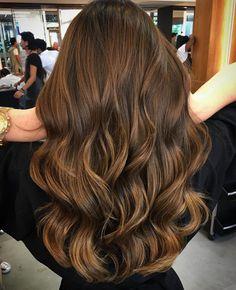 20 balayage brown bis blonde lange frisuren page- 1 Brown Hair Balayage, Brown Blonde Hair, Hair Color Balayage, Brunette Hair, Hair Highlights, Long Brunette, Caramel Highlights, Hair Shades, Bad Hair
