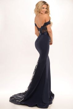 $139.39 - Beaded Top Off the Shoulder Mermaid Prom Dress. Free Shipping & Free Custom Made! Buy cheap prom dresses, party dresses, night dresses, maxi dresses, little black dresses, junior prom dresses, girls prom dresses, designer prom dresses,two piece prom dresses, high neckline prom dresses for sale. We have a great number of designer's prom dresses on sale at #UcenterDress.com today!