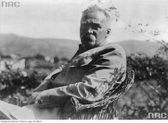 """Józef Piłsudski odpoczywa w willi """"Quinta Bettencourt"""" na Maderze, 1931-09.  http://audiovis.nac.gov.pl/obraz/218265/e1f5f4056a158ca605cc694bd298b61f/"""