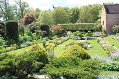The sunken gardens of Chenies Manor House.