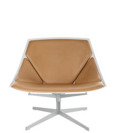 The German design duo Jehs+Laub found inspiration in the human body in the design of the easy chair Space™.