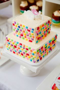 """looks like so much work...of course it means I have to try it! How cute would this """"tile"""" be on one of the castle cakes!"""