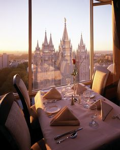 HOW ROMANTIC! the roof restaurant (joseph smith memorial building) salt lake city, utah Salt Lake Temple, Salt Lake City Utah, The Roof Restaurant, The Places Youll Go, Places To Go, Temple Square, Lds Temples, Birthday Dinners, What A Wonderful World