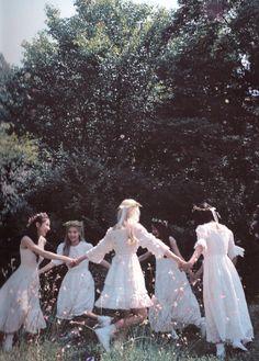 wallpapers screenshot for a better. Kpop Girl Groups, Korean Girl Groups, Kpop Girls, Kpop Aesthetic, Aesthetic Photo, Extended Play, Bridesmaid Dresses, Wedding Dresses, Ulzzang Girl