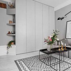 Måttanpassade garderobsdörrar till IKEA:s Paxskåp. Lackerade i kulören NCS…