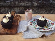 Decadent Zucchini Chocolate Cakes Recipe - Viva
