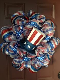 Celebrate the Stars and Stripes Forever with These Star Spangled of July Craft Projects (Second Edition) Patriotic Wreath, Patriotic Crafts, Patriotic Decorations, July Crafts, 4th Of July Wreath, Flag Wreath, Holiday Decorations, Deco Mesh Crafts, Wreath Crafts