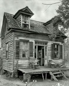 """Abandoned Little House. """"I think this could have been a cute little house, back in its day."""""""