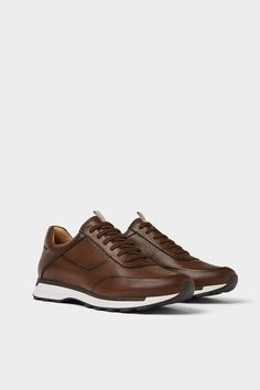 Image 2 of Zara RETRO MARRÓN SPORTS shoes casuales cómodos de vestir deportivos hermosos hombre mujer vans Brown Sneakers, Retro Sneakers, Dress With Sneakers, Stylish Shoes For Men, Casual Shoes, Leather Men, Leather Shoes, Mens Boots Fashion, Zara Man