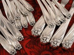 """Rogers Bros IS Grape Silverplate 4pc Dinner knives  9 1//2/"""" Vintage 1847"""