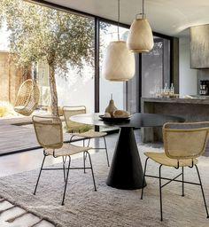 Metal table Mayra in used look, Ø 120 cm - Nice dining room - Dining Room Inspiration, Interior Inspiration, Inspiration Design, Office Seating, Small Dining, Dining Room Design, Design Kitchen, Interiores Design, Room Interior