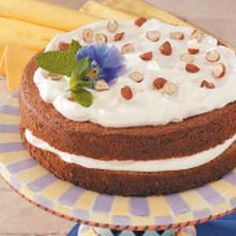 Austrian Hazelnut Torte Recipe -This unusual but delicious flourless torte has a distinctive nutty flavor with a hint of orange. Its luscious cream filling and topping is accented with citrus. Austrian Desserts, Austrian Cuisine, Austrian Recipes, Austrian Food, Hazelnut Torte Recipe, Hazelnut Recipes, Yummy Drinks, Delicious Desserts, Torte Au Chocolat
